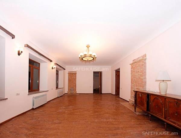 1-senyakanoc-komercion-vardzakalutyun-Yerevan-Center